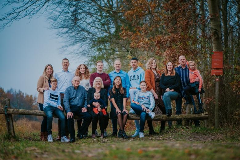 Familieportret Lauwersoog door Nickie Fotografie.
