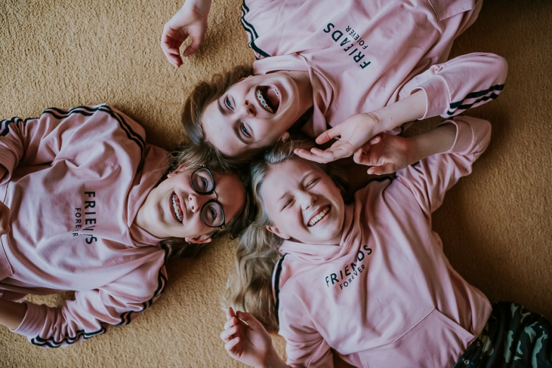 Friends forever, door Nickie Fotografie.